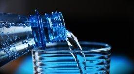 Agua, la mejor bebida contra la sed