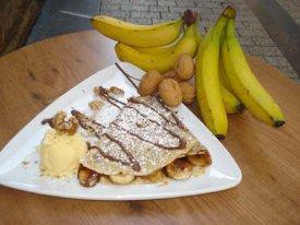 Un crep dulce con plátano y nueces