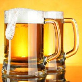 El juego de las palabras encadenadas-http://guiagastronomika.diariovasco.com/noticias/fotos/275x/dos-jarras-cerveza.jpg