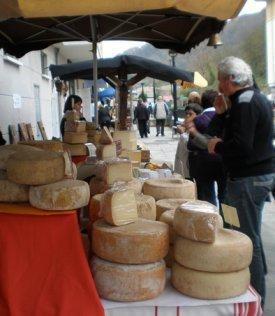 Un puesto de quesos