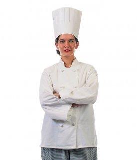 Una cocinera con su gorro de cocina