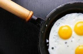 Un huevo cocinándose